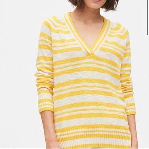 NWT GAP Women's V-Neck Sweater Tunic